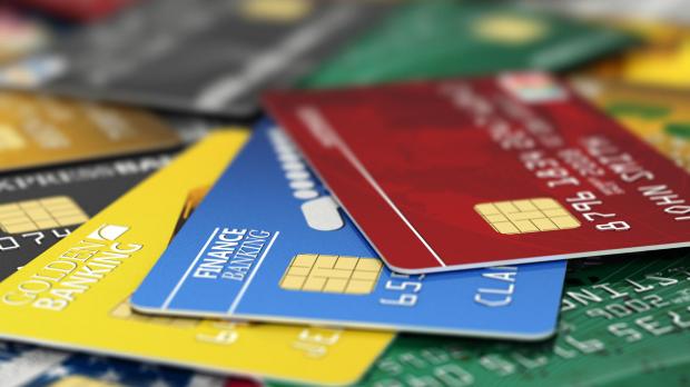 Desarrollan método inspirado en las alas de mariposa que va a mejorar la seguridad de las tarjetas bancarias